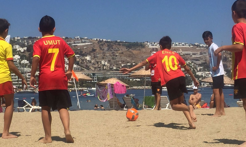 Plaj Futbolu Şenliği'nin İlk Etabı Gerçekleşti