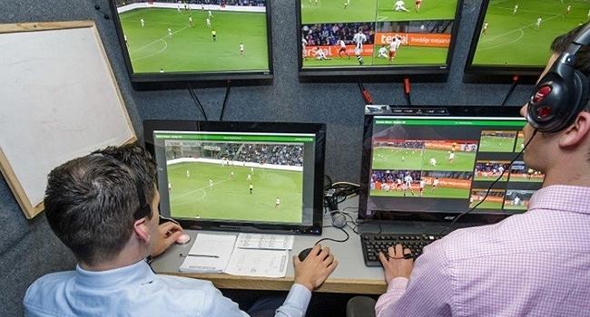 VAR (Video Yardımcı Hakem Sistemi) 10.haftadaki 3 maçta ilk defa test edilecek.